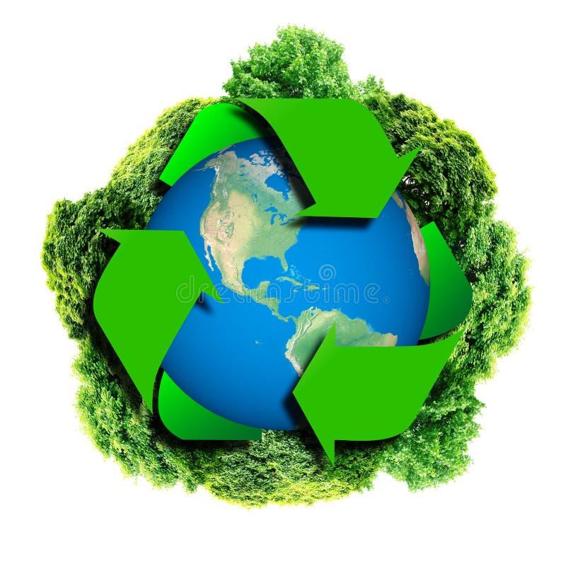 Przetwarza loga z drzewem i ziemią Eco kula ziemska z przetwarza znaki Ekologii planeta z z drzewami wokoło ziemski eco ilustracji