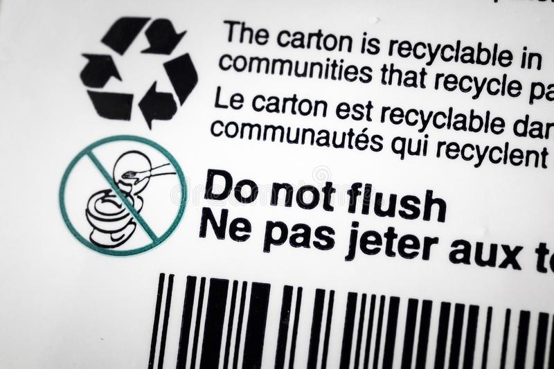 Przetwarza recyclable kartonu zbiornika etykietki sekwens fotografia stock