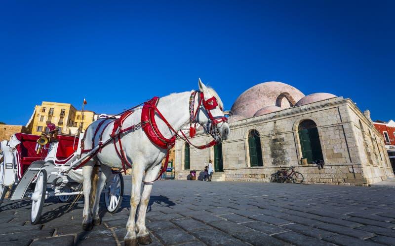 Przewóz koni, meczet, port wenecki, Chania, Kreta, Grecja, Europa obraz royalty free