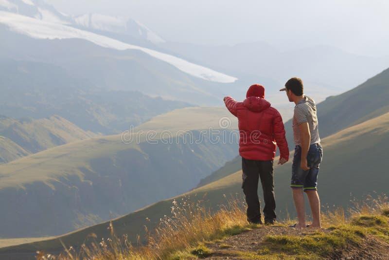 Przewdonik w górach zdjęcie royalty free
