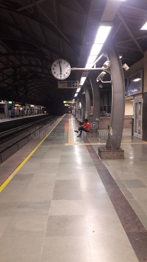 Przewieziony metra stacja obsługi ranek obraz stock