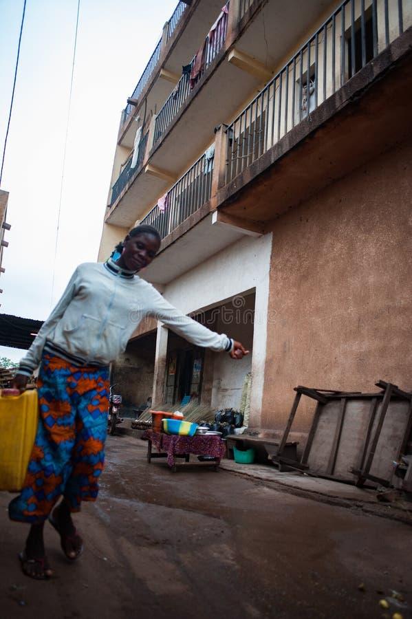 Przewożenia jedzenie w Afryka zdjęcia royalty free
