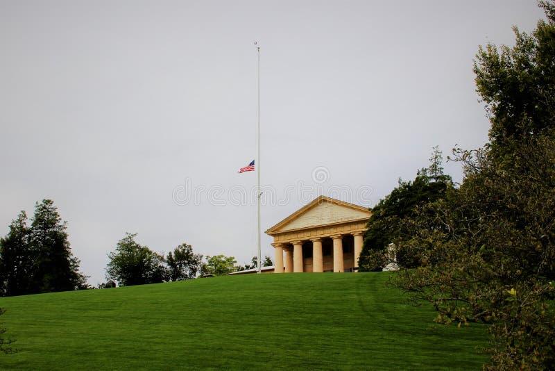 przez agai amerykanina Arlington jak blef c cmentarnianego cywilnego d, e konfederacyjnego bezpośrednio zapewnia ogólną greckiemu obraz royalty free