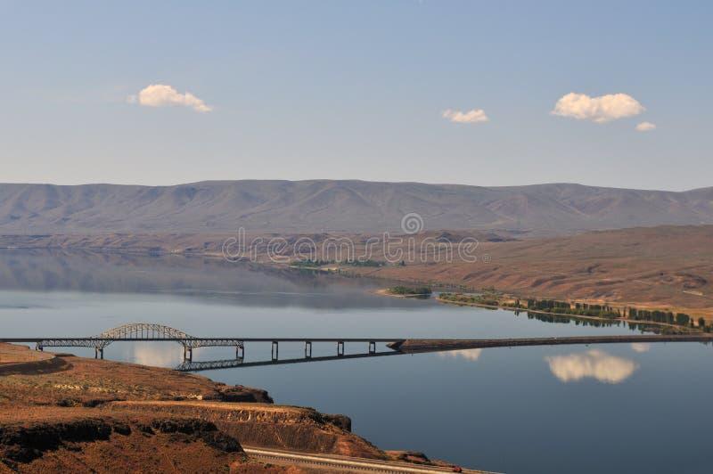 przez korzystną Columbia bridżową rzekę fotografia royalty free