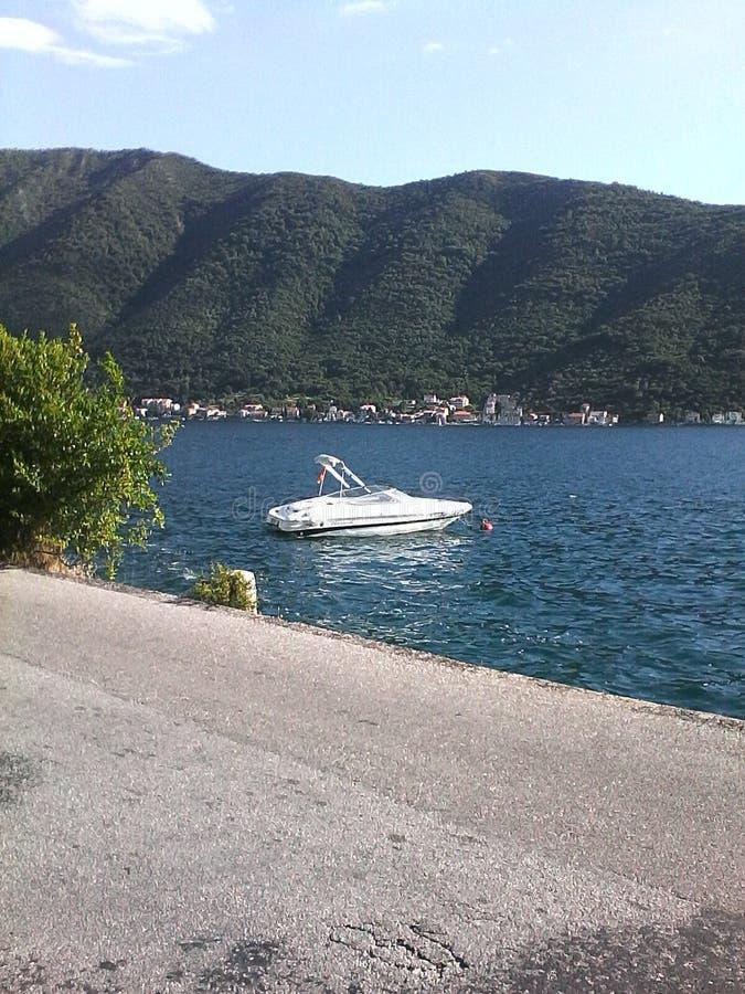 Przyśpiesza łódź, Perast, Boka kotorska, Montenegro obraz royalty free