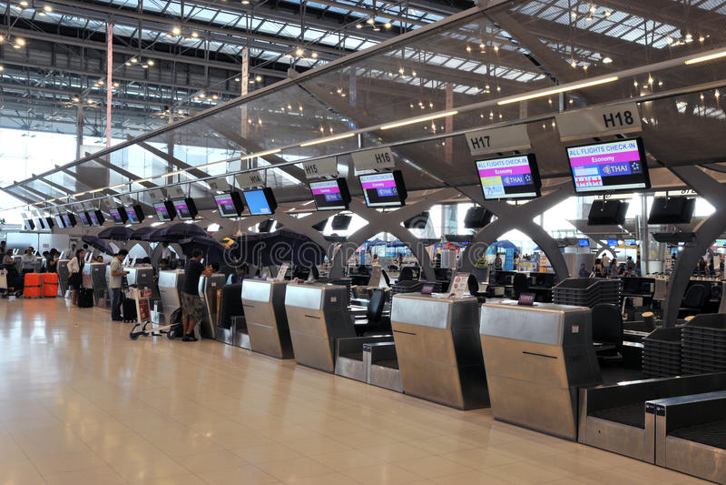 Przy Bangkok Lotniskiem odprawa Kontuary Suvarnabhumi zdjęcie royalty free