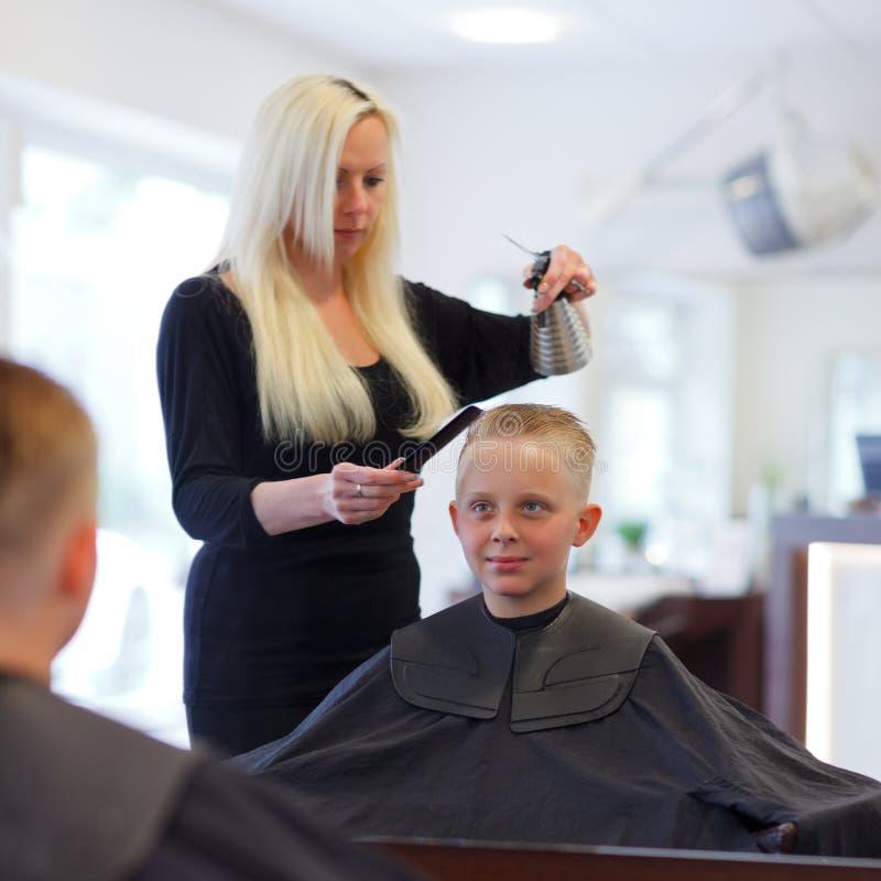 Przy fryzjerem zdjęcie stock