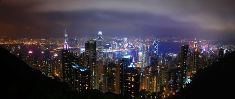 Przy noc Hong Kong linia horyzontu zdjęcia stock