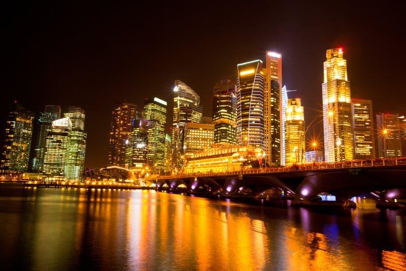 Przy noc Singapur miasto fotografia royalty free