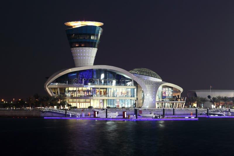 Przy noc Yas Marina, Abu Dhabi fotografia stock