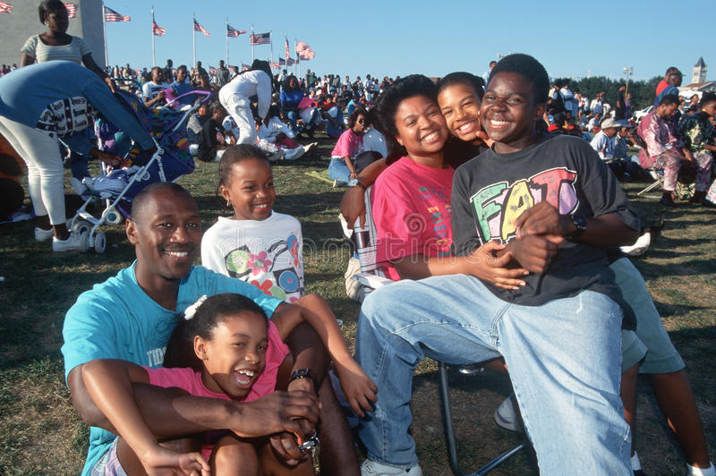 Przy wydarzeniem Amerykanin afrykańskiego pochodzenia rodzina