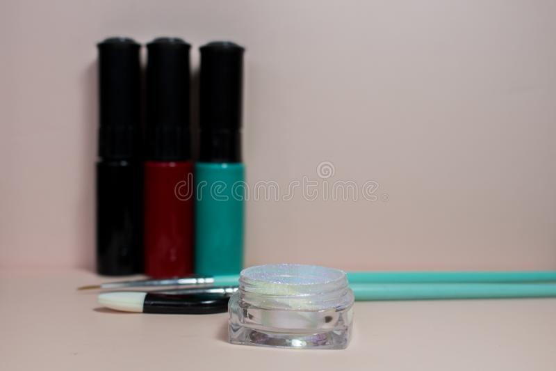 Przybija sztuk akcesoria życie z manicure'em, wciąż obrazy stock