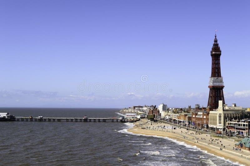 Przybywający przypływ w Blackpool Północnym wysokim widoku fotografia royalty free