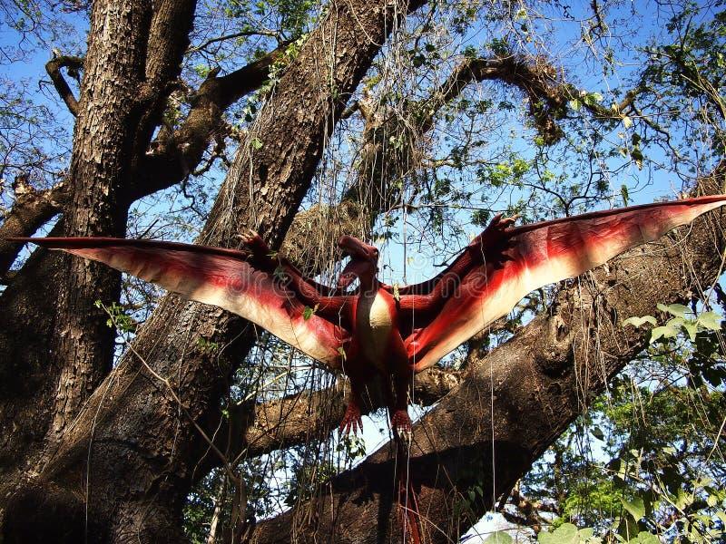Przyciągania wśrodku dinosaur wyspy przy Clark Pyknicznymi ziemiami w Mabalacat, Pampanga fotografia royalty free
