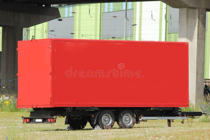 przyczepy prosta czerwona ciężarówka obrazy royalty free