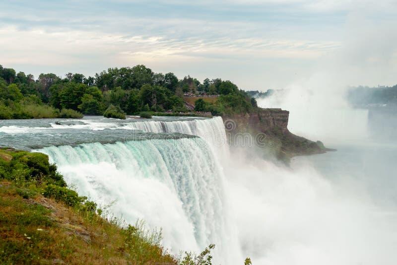 Przyglądający południe przy Niagara spadkami fotografia royalty free
