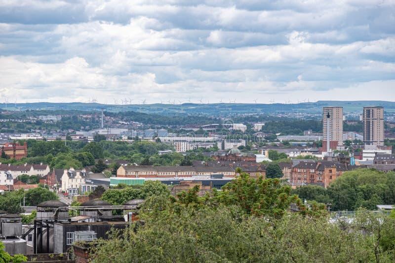 Przyglądający za Necropolis nad centrum miasta Glasgow od zdjęcia royalty free