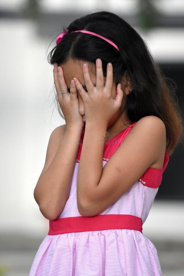Przygnębiona Mniejszościowa dziewczyny młodość zdjęcia royalty free