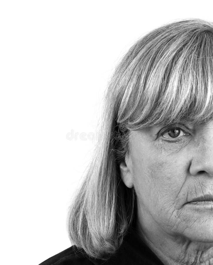 przygnębiona starsza kobieta zdjęcie stock