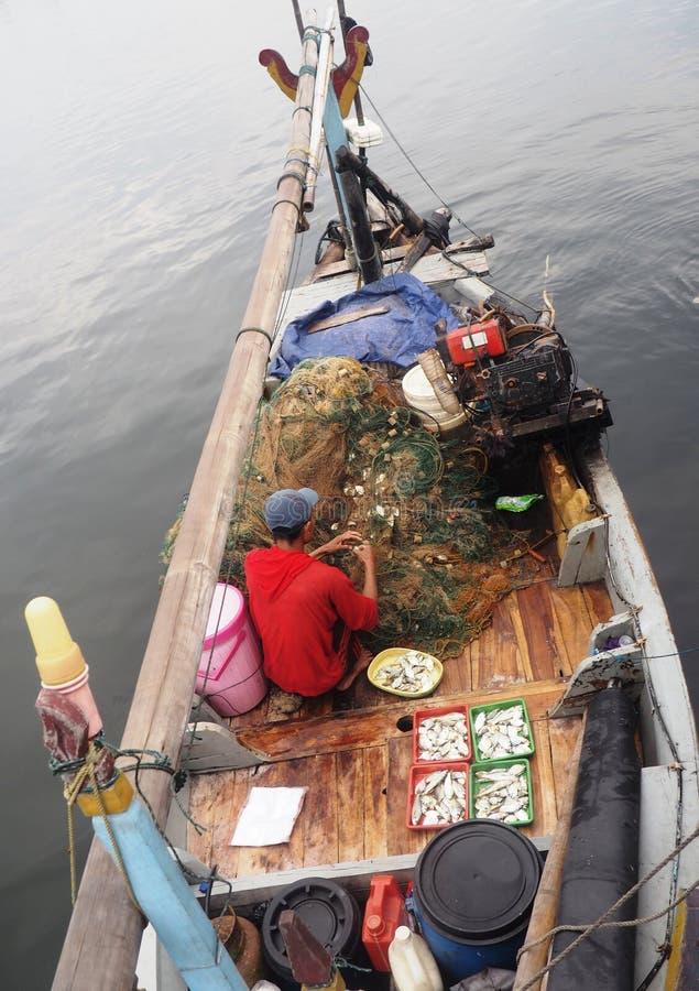 Przygotowanie przed ryba sprzedaje obrazy stock