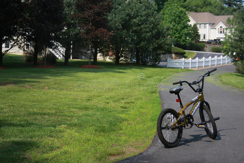 Download Przygotowywająca Przejażdżka Obraz Stock - Obraz złożonej z learn, rower: 13332965