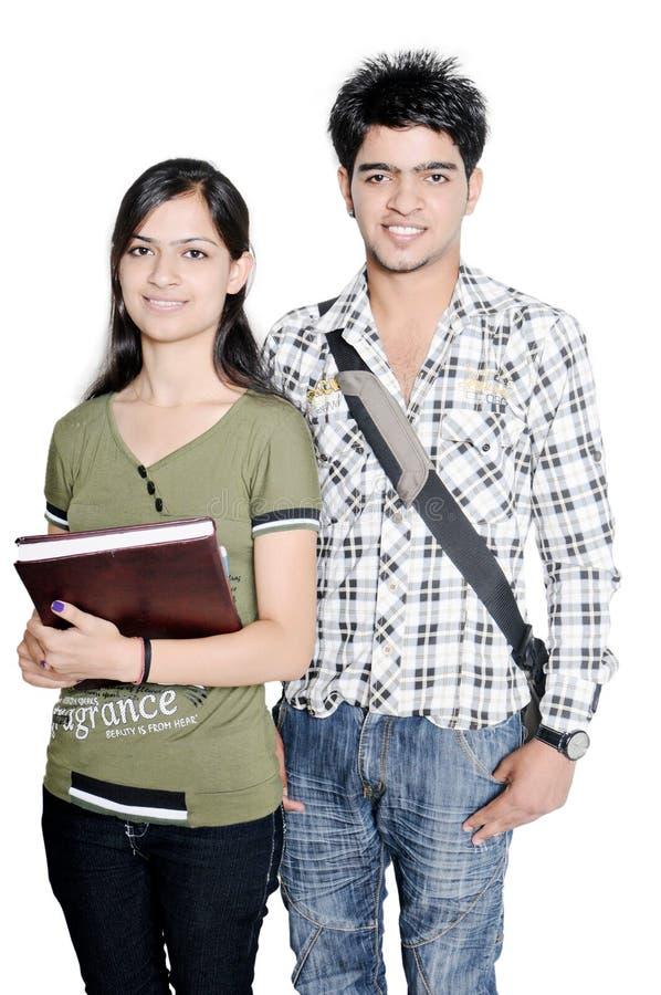 Przygotowywający dla szkoła wyższa indiańscy nastolatkowie. fotografia royalty free