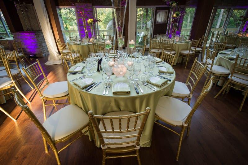 Przyjęcie stół przy ślubem obraz stock