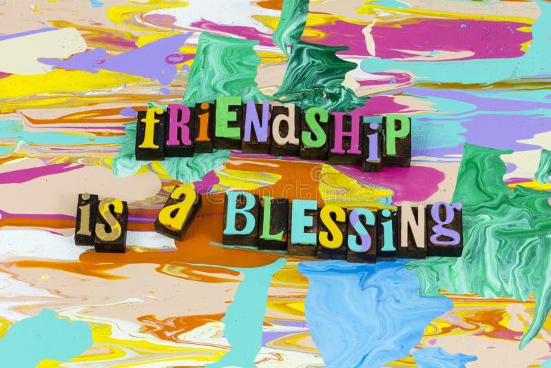 Przyjaźń to błogosławieństwo wspaniałej atrakcyjności życia. obraz stock