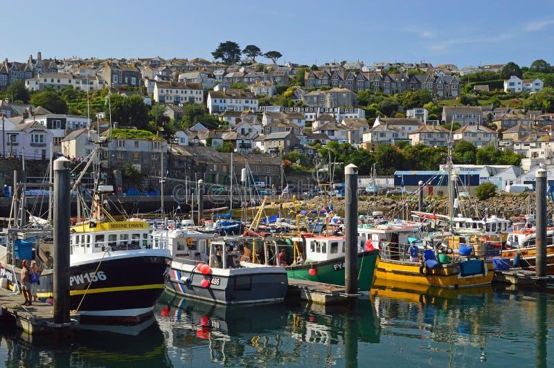 Przyjemności łodzie rybackie w Newlyn schronieniu Cornwall i rzemiosło, Anglia obrazy royalty free