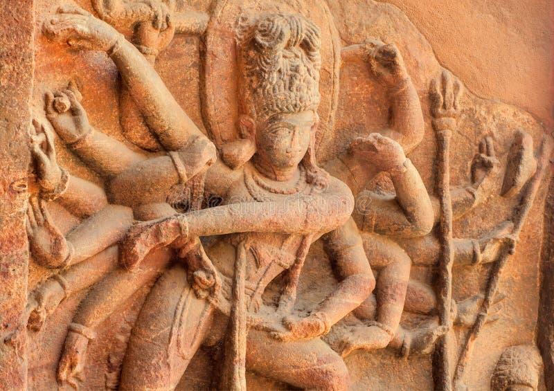 Przykład indyjskie grafika od 6th wieka, Dancingowa Shiva ulga wśrodku antycznej Hinduskiej świątyni, India zdjęcia stock