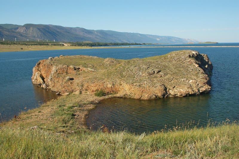 Przylądek wydający w wodzie Jeziorny Baikal obraz royalty free