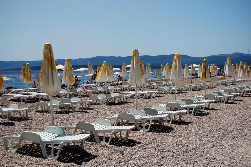 przylądka Croatia złoci sunbeds fotografia stock