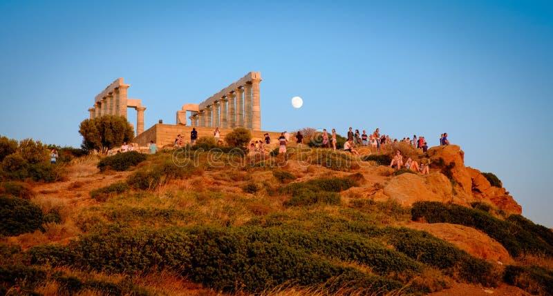 Przylądka Sounion zmierzch, Antyczna świątynia Poseidon, przylądek Sounio obrazy royalty free