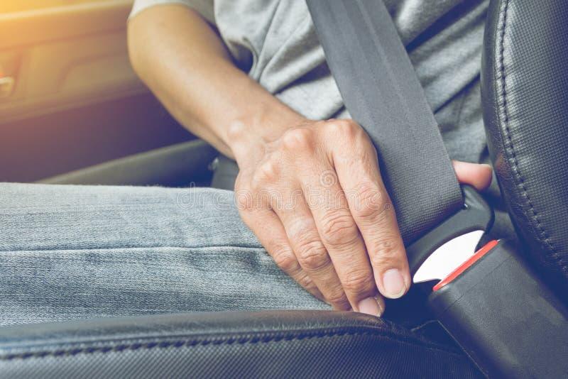 Przymocowywa samochodowego pas bezpieczeństwa obraz stock
