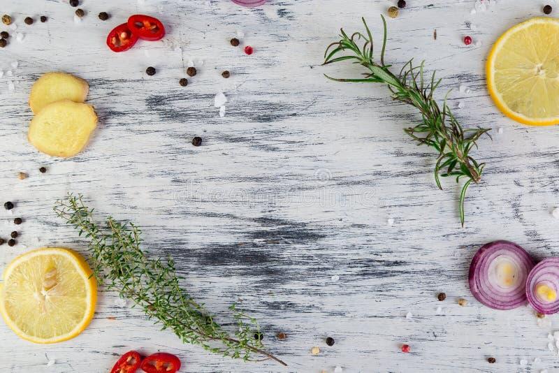 Przyprawiać dla mięsa Pikantność składnik - rozmaryn, cytryna, imbir, zdjęcia royalty free