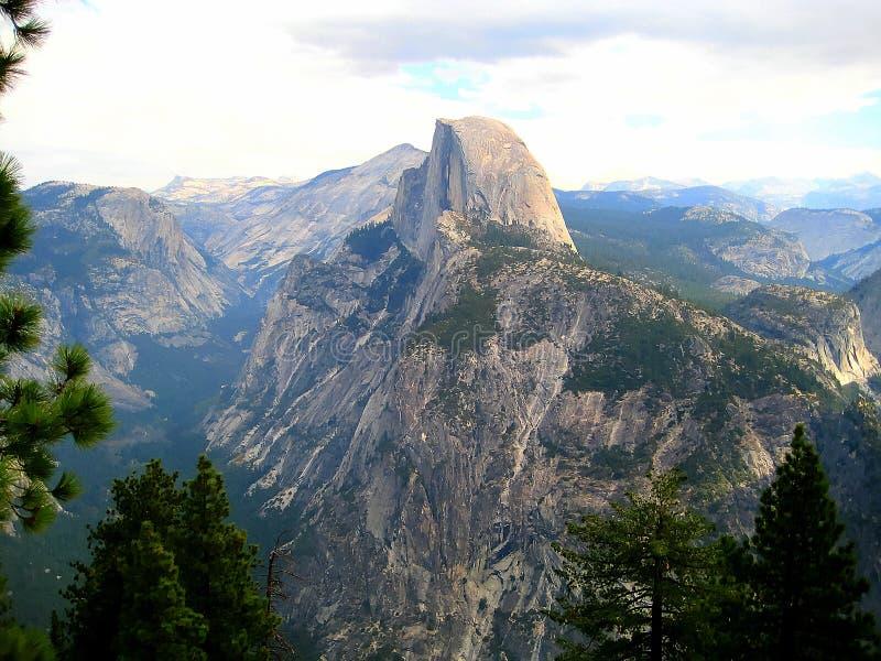 Przyrodnia kopuła w Yosemite (Kalifornia, usa) zdjęcia stock