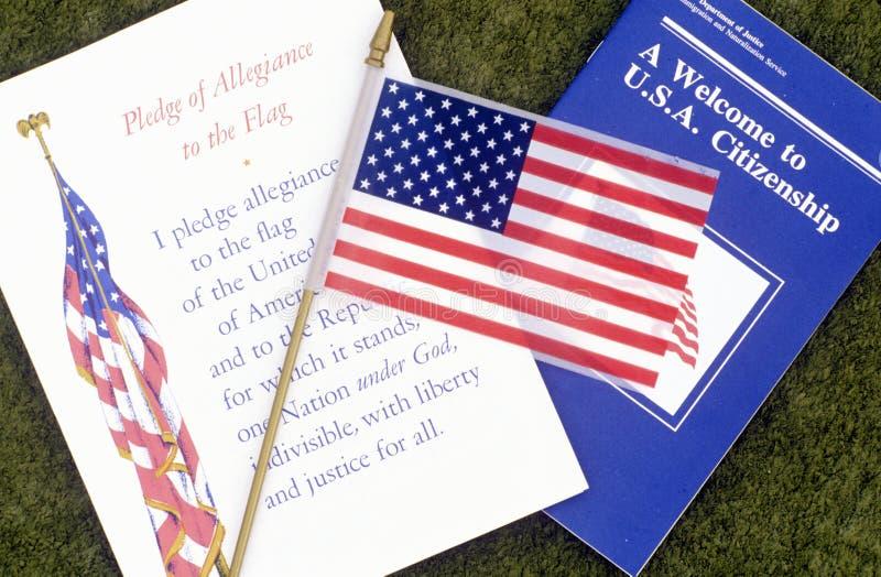Przyrzeczenie hołdownictwo z flaga amerykańską, Los Angeles, Kalifornia obraz stock