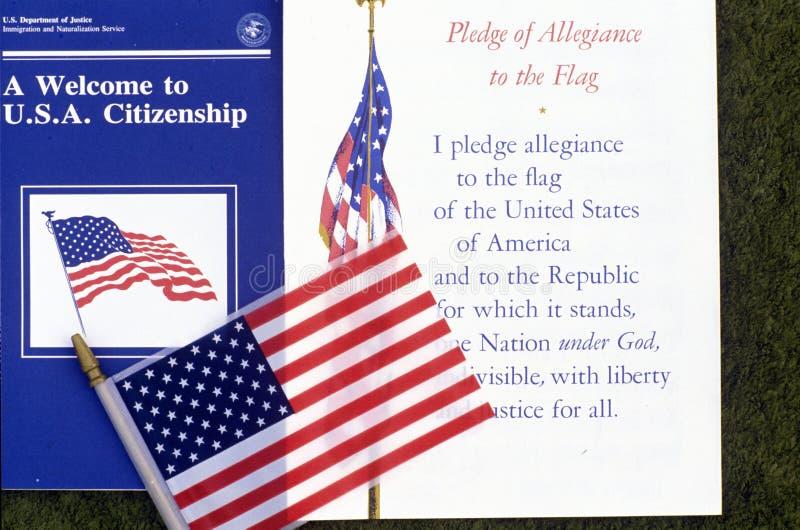 Przyrzeczenie hołdownictwo z flaga amerykańską, Los Angeles, Kalifornia obrazy royalty free