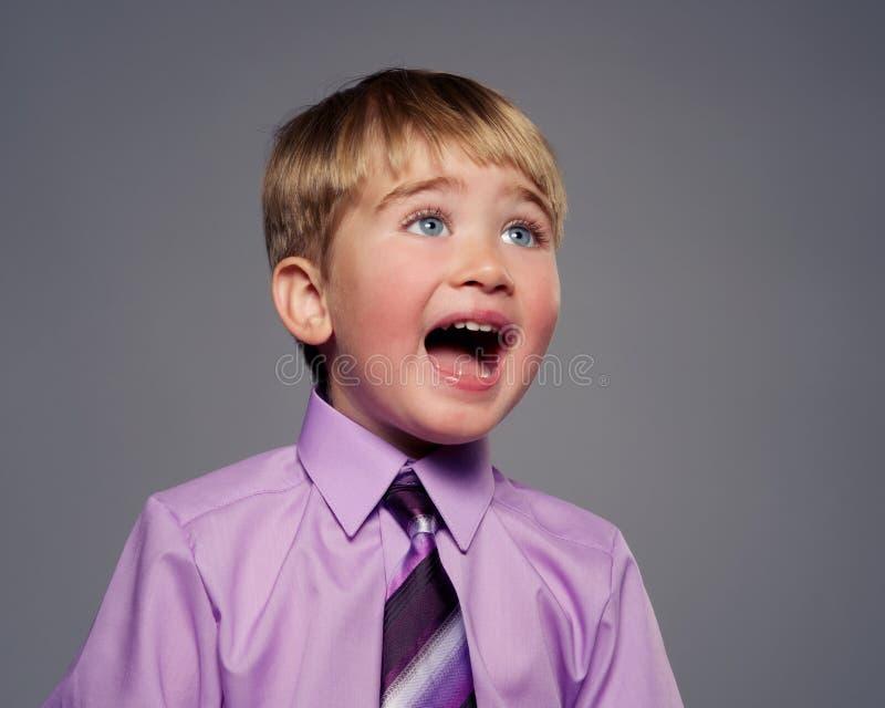 Przystojna mała chłopiec zdjęcia royalty free