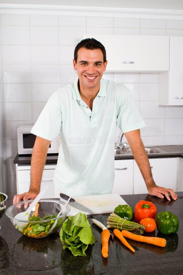 przystojni szef kuchni potomstwa obrazy royalty free