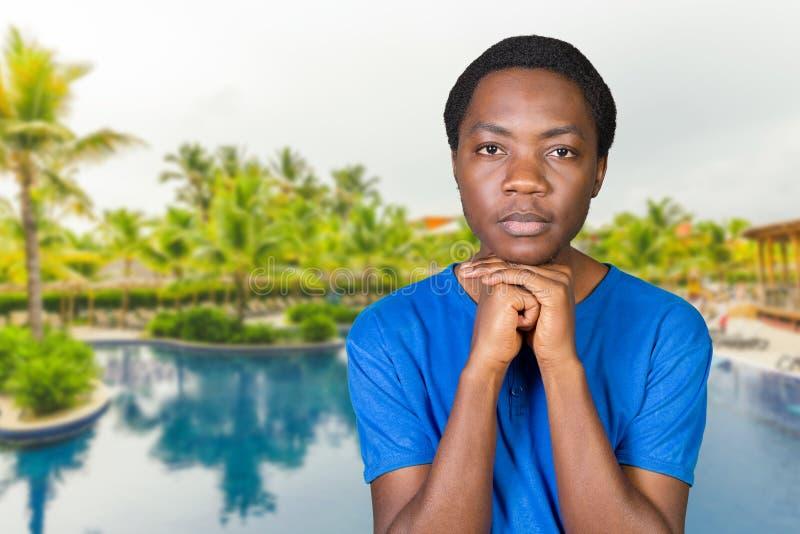 Przystojny afrykański mężczyzna zdjęcie royalty free