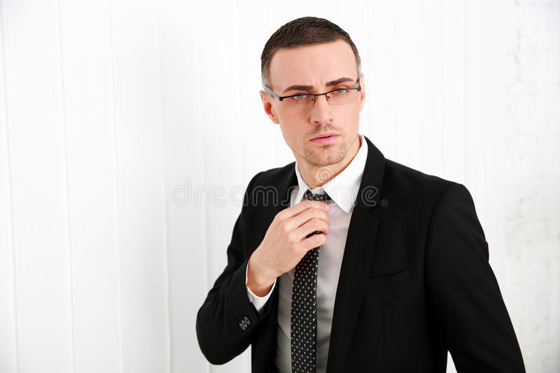 Przystojny biznesmen w szkłach zdjęcie stock