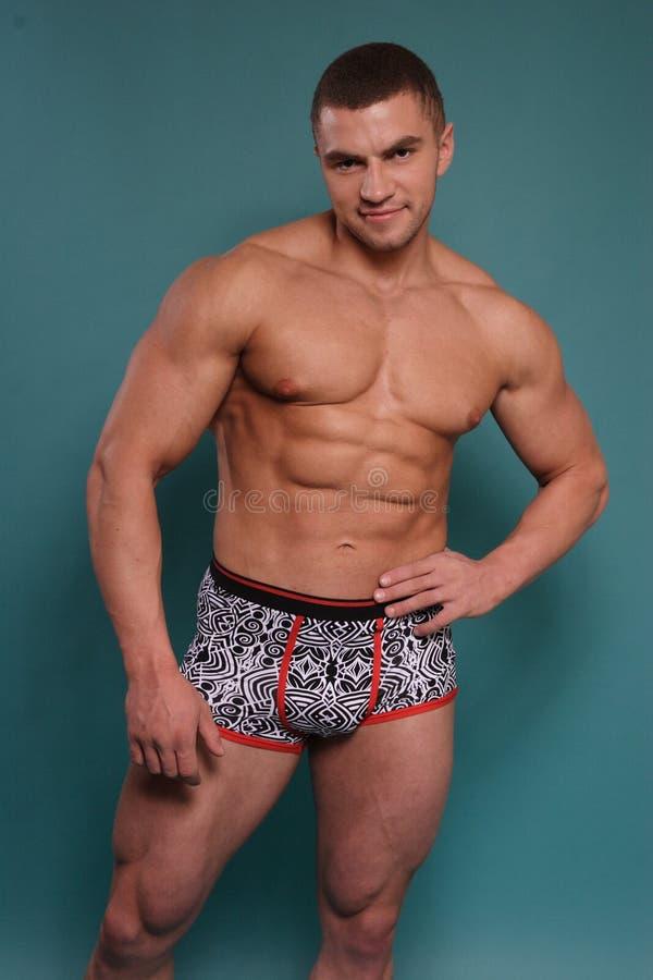 Download Przystojny mężczyzna zdjęcie stock. Obraz złożonej z atleta - 28954920