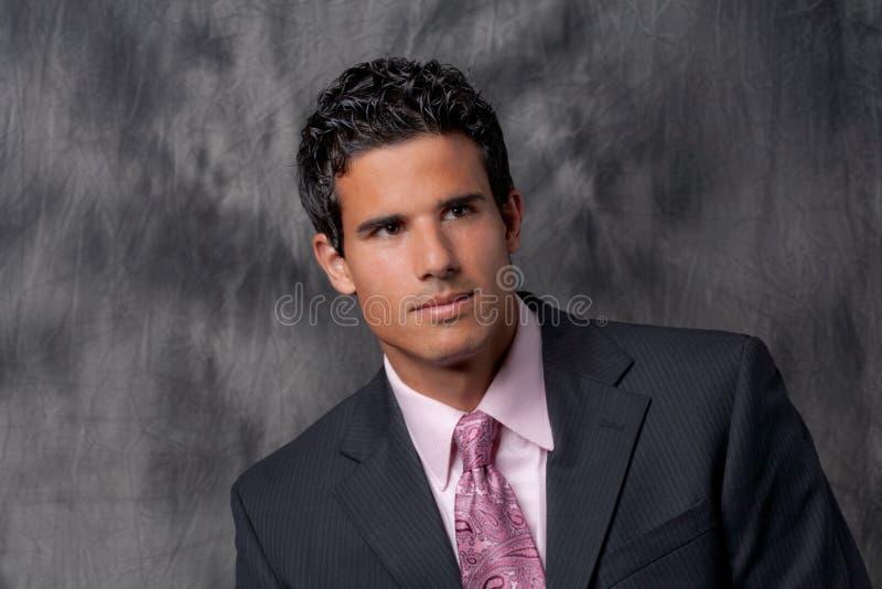 Przystojny mężczyzna w kostiumu i krawacie obrazy stock