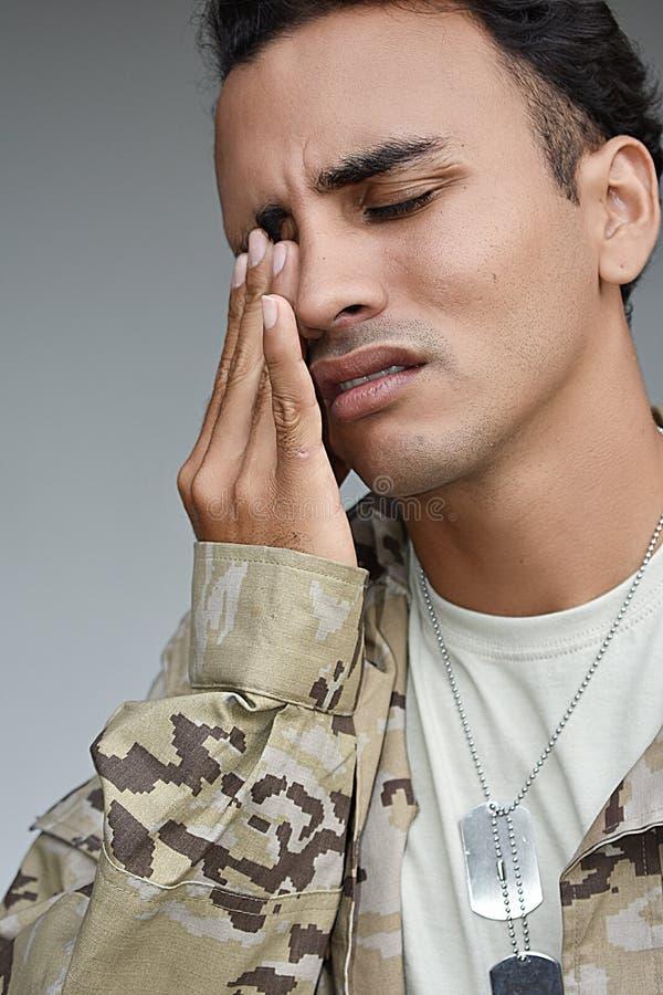 Przystojny Męski żołnierza płacz obrazy stock