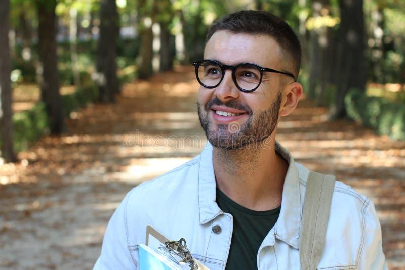 Przystojny męskiego ucznia outdoors zakończenie up zdjęcie royalty free