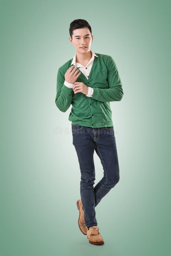 Przystojny młody Azjatycki mężczyzna zdjęcia stock