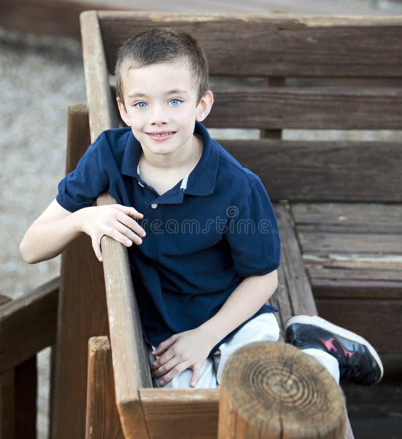 Przystojny młody chłopiec portret zdjęcia stock