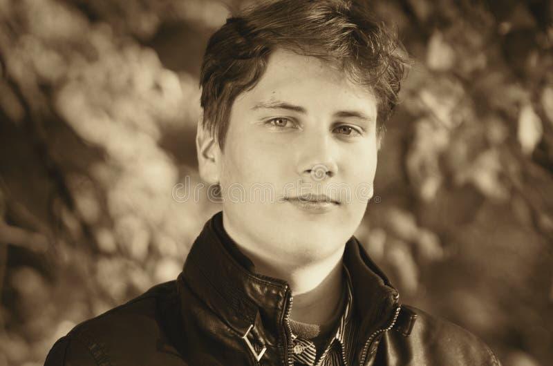Przystojny nastoletni portret zdjęcia royalty free