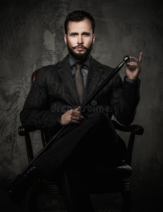 Przystojny ubierający mężczyzna zdjęcia stock